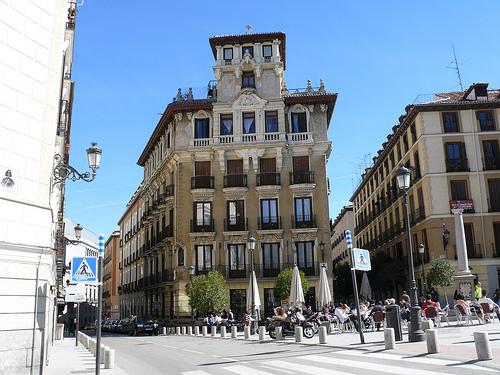 En la plaza de Ramales descansan los restos mortales de Velázquez