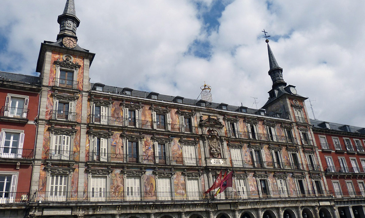 Madrid hist rico hotel moderno puerta del sol for Hotel moderno madrid booking
